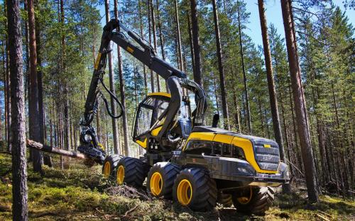 Forests_2014-17_Ponsse_Scorpion_Harvester_Trees_531464_3840x2400